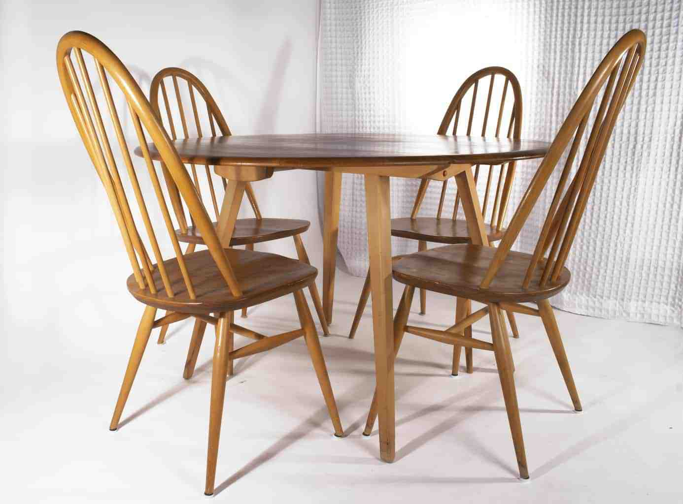 Ercol round drop-leaf Table with 4 Chairs